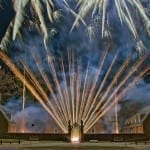 hm-cities-fireworks-at-the-palace-chuck-durfor