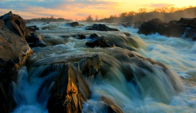 2014 Best in Show Winner: Great Falls Sunrise by Theresa Rasmussen (Great Falls in Fairfax County)